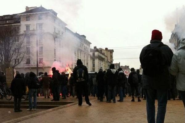 Les manifestants français et italiens se sont réunis aux Brotteaux.