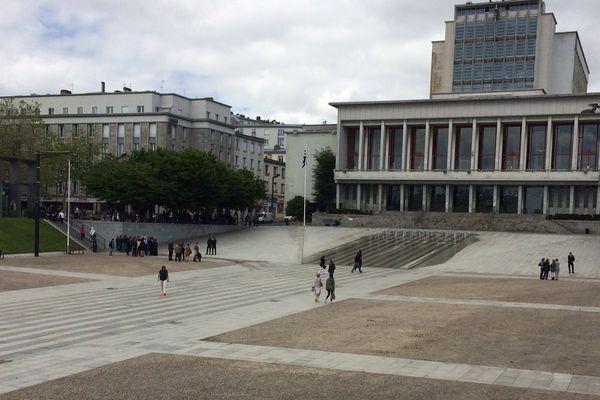 La mairie de Brest évacuée à cause d'un colis suspect