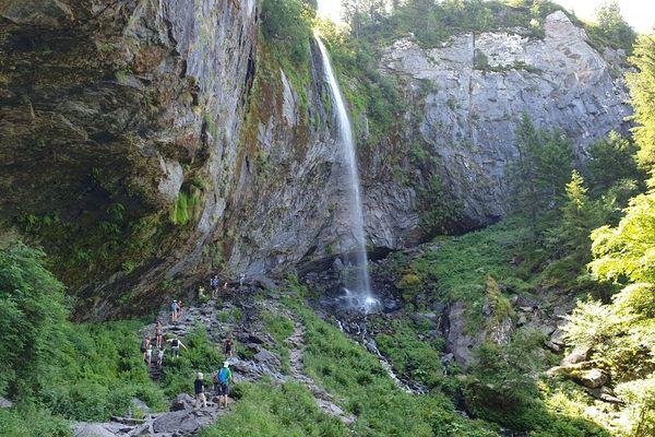 En période de canicule, du côté de la Grande Cascade du Mont-Dore, dans le Puy-de-Dôme : une balade rafraîchissante !