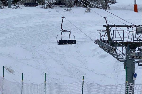 Stations de ski: pas de réouverture des remontées mécaniques le 1er février comme ici à Gréolières les Neiges.