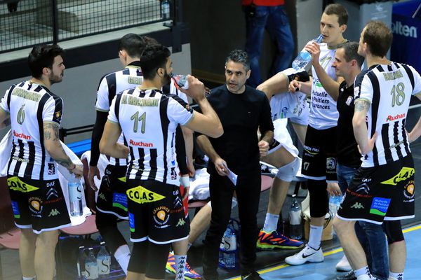 Les volleyeurs poitevins doivent impérativement gagner le match retour des play-off contre Ajaccio, ce vendredi 13 avril 2018.