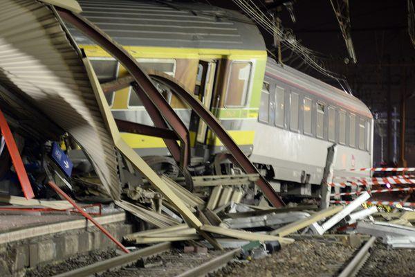 L'accident du train Paris-Limoges a fait 7 morts et des dizaines de blessés