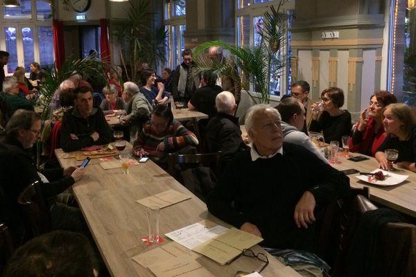 Une petite quarantaine de sympathisants a suivi la soirée électorale au café de l'observatoire