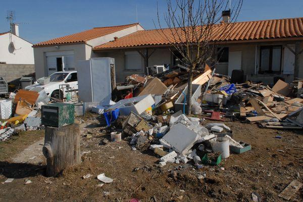 Maisons sinistrées à Charron (17) après le passage de la tempête Xynthia