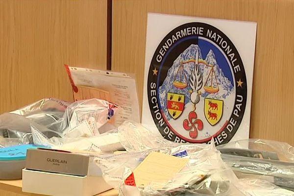 Onze personnes ont été interpellées . Elles sont soupçonnées d'avoir piraté des milliers de cartes bancaires pour un préjudice d'environ un million d'euros.Un important butin a été saisi.