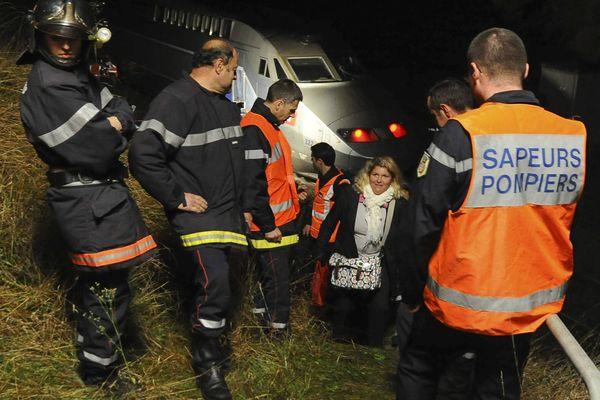 Les passagers du Paris-St-Brieuc évacués de la rame TGV