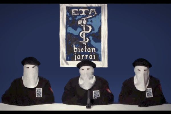 Annonce solennelle de l'annonce de la fin de la lutte armée le 20 octobre 2011.