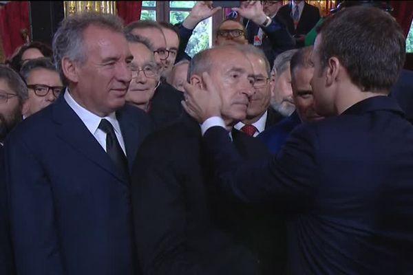 """Emmanuel Macron à l'Elysée, l'émotion du maire de Lyon Gérard Collomb, au nombre des premiers """"marcheurs""""... 14/5/17"""