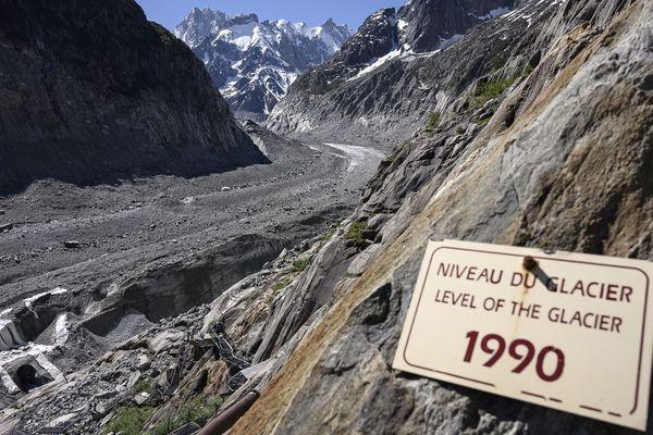 Le plus grand glacier de France s'érode à vue d'œil sous l'effet du réchauffement climatique.
