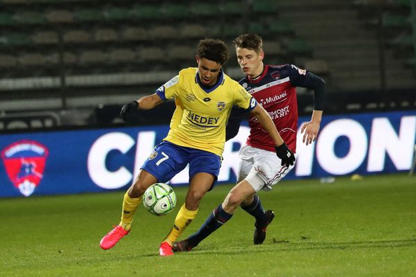 Le match Clermont Foot 63 contre le Football Club Sochaux Montbéliard se déroulait ce vendredi au Stade Gabriel-Montpied de Clermont-Ferrand (Puy-de-Dôme)