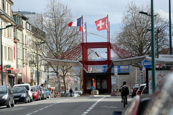 Poste frontière de Saint-Louis, entre la France et la Suisse, en mars 2020