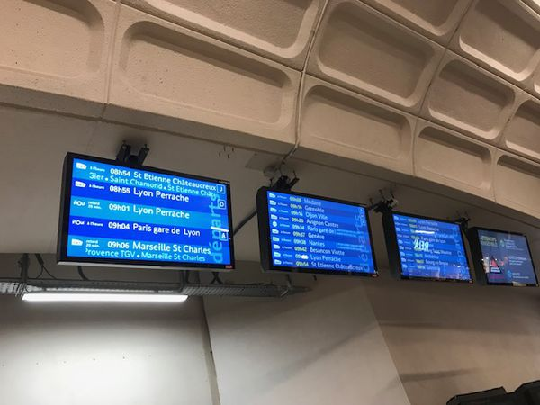 Ce samedi matin, le trafic ferroviaire reste perturbé à cause de la neige