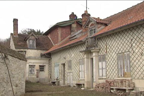 La maison de l'écrivain Henri Barbusse tombe en ruine et une association fait un appel aux dons pour la sauver.