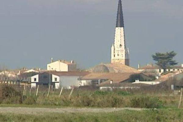 Le clocher de l'église d'Ars-en-Ré (17)