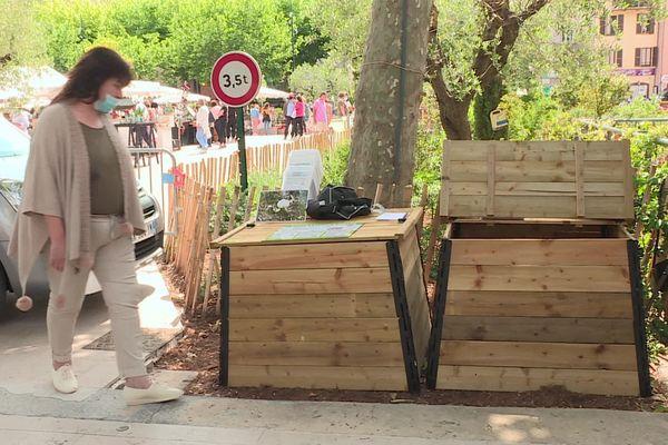 L'arrivée des 9 composteurs dans le centre-ville de Vence ce samedi 29 mai.