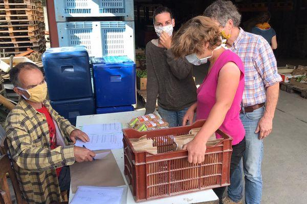 Les habitants peuvent venir récupérer leurs produits dans des points relais - mai 2020