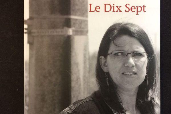 """Dix-sept ans après son accident, Delphine Salmon a écrit un livre évoquant son combat quotidien contre le handicap. Elle veut """"faire réfléchir""""."""