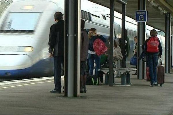 Archives : TGV - gare du Creusot