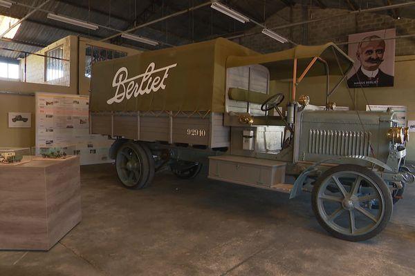 Ce camion militaire a été utilisé pendant la guerre de 1914-1918, notamment entre Bar-le-Duc et Verdun.
