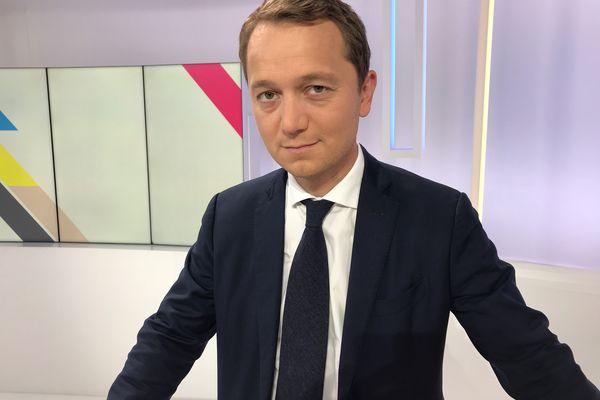 Maël de Calan , le nouveau président du Conseil départemental du Finistère, veut imprimer sa marque. Double objectif: des économies et la culture du résultat.