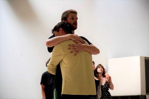Une danse sans tabou, avec Théo Corre et Mikaël Gac