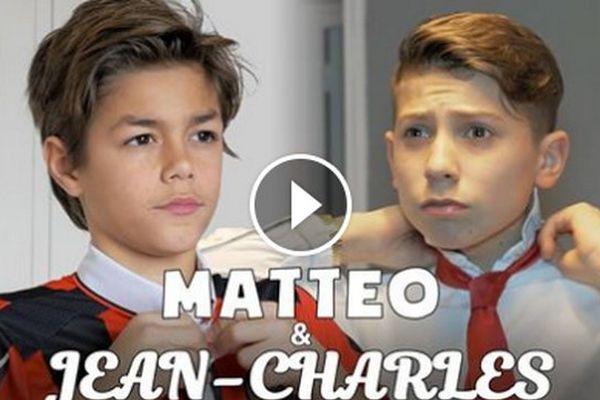 Deux jeunes supporteurs, chacun censé représenter son club selon la vidéo.