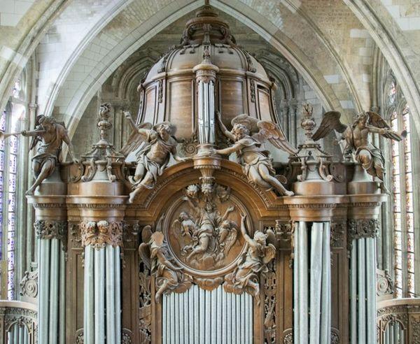 Le buffet d'orgue de la basilique de Saint-Quentin offert par Louis XIV