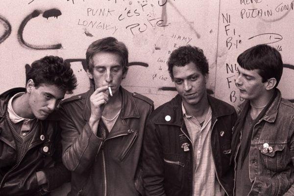 Jimmy, Quinroux, René et Titus : No Fuck Bébé, deux années de fureur dans le Pays de Montbéliard au début des années 80.