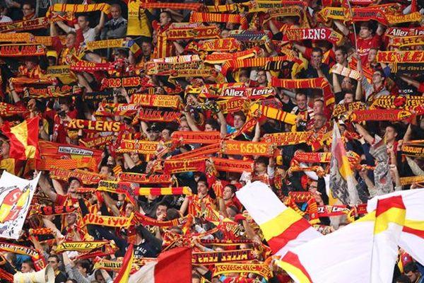 Plus de 40000 supporters à Bollaert ce vendredi record de la saison.