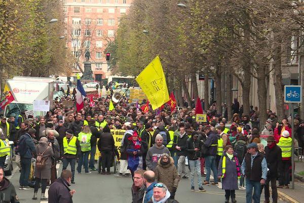 Manifestation des gilets jaunes ce samedi à Lille.