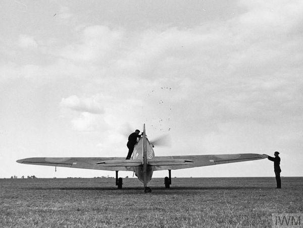 Un Hawker Hurricane du 85 Squadron à Castle Camps en juillet 1940.