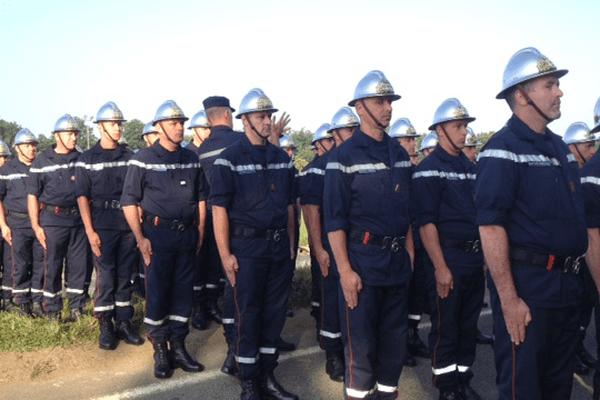 Derniers préparatifs avant le défilé des pompiers bretons sur les Champs Elysées