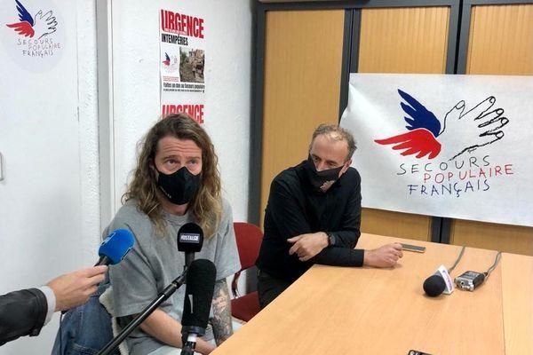 Julien Doré a rencontrer des personnes sinistrées avec des bénévoles du Secours populaire. Il est parlait ce lundi lors d'une conférence de presse à Nice.