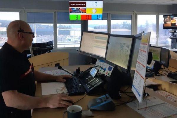 Le centre de traitement d'alertes au CODIS de Haute-Loire.