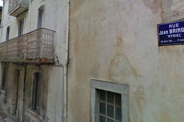 Carcassonne - rue où l'incendie s'est produit et immeuble où le cadavre a été retrouvé - archives