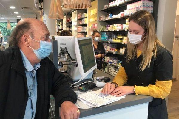 Dans cette pharmacie de Vandoeuvre-lès-Nancy (54), le premier stock de vaccins contre la grippe est déjà épuisé.