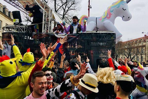 Toujours autant de liesse au carnaval étudiant de Caen.