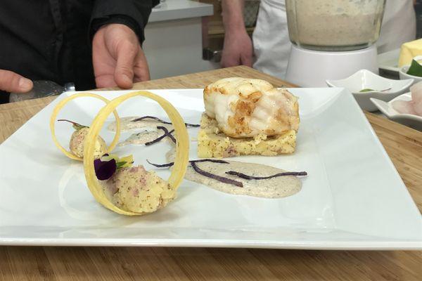 Médaillon de lotte à la crème de cèpes et son écrasé de pommes de terre à l'andouille et moutarde.