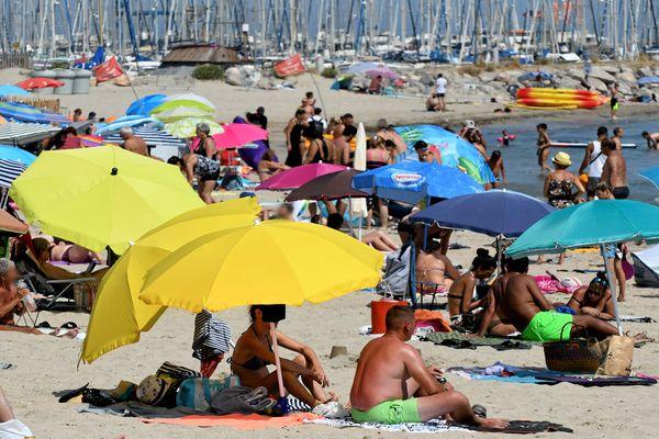 Palavas (Hérault) - foule à la plage - juillet 2019.