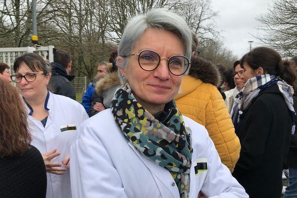 Christine Lévêque, technicienne de production, 13 ans d'ancienneté chez Boiron Montrichard dans le Loir-et-Cher.