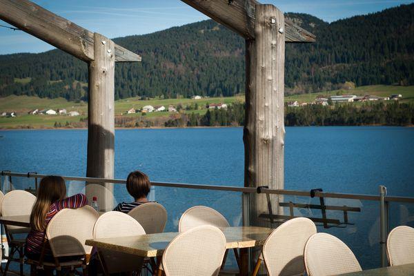 La qualité de l'eau du lac des Rousses est classée par excellente par l'Agence régionale de santé
