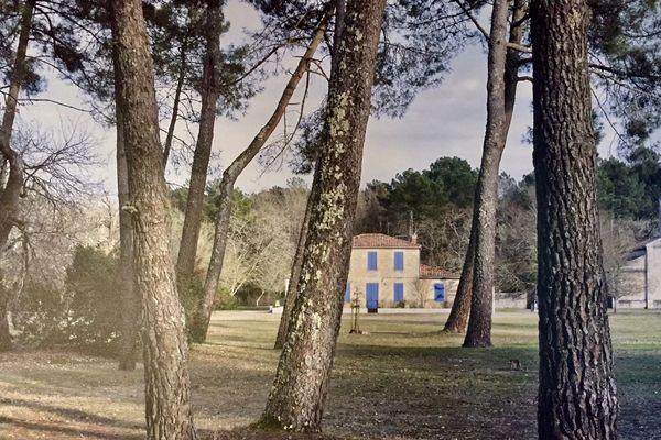 Un village, quelque part au coeur du Parc Naturel Régional des Landes de Gascogne