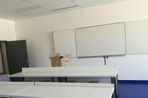 Une salle de classe au collège Les Perrières à Annonay