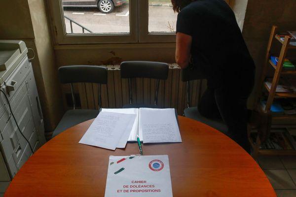 La commune d'Auger-Saint-Vincent (Oise) a mis à disposition, dès décembre, un cahier de doléance à destination de ses citoyens.
