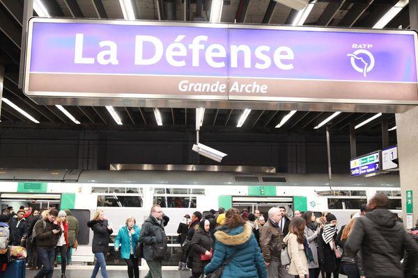 Cet été, des travaux seront effectués sur le RER A entre les gares de la Défense et de Nation.