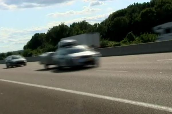 France 3 Bourgogne a suivi les acteurs et les gens de l'ombre qui travaillent sur l'autoroute, pour rendre la vie facile aux usagers durant cet été
