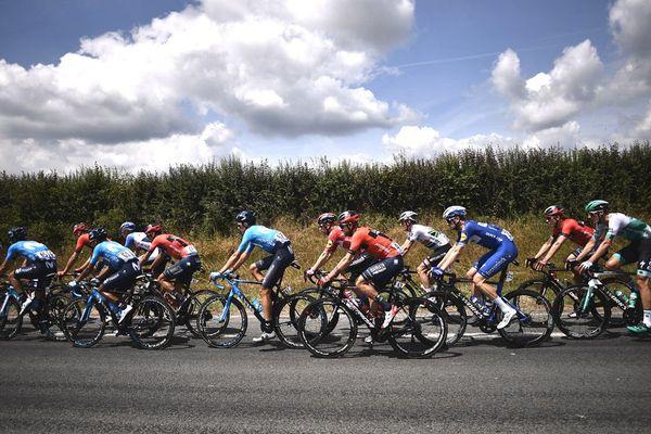 Les coureurs lors de la 3e étape du Tour de France entre Binche et Epernay, le 8 juillet 2019