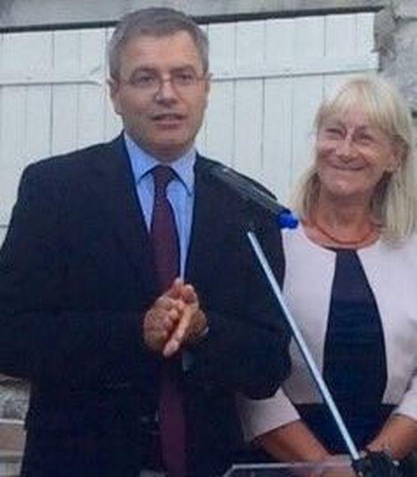 L'ancien préfet de Haute-Corse, Alain Thirion, à côté de l'ancienne sous-préfète de Calvi, Anne Ballereau le 11 août 2016.
