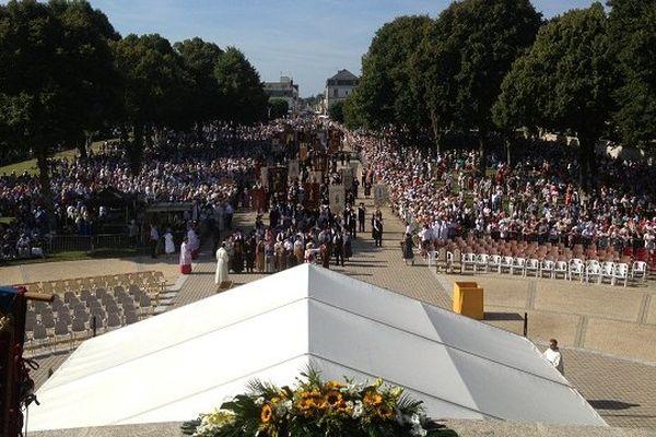 Il y avait une foule immense pour le traditionnel pèlerinage de Sainte-Anne-d'Auray