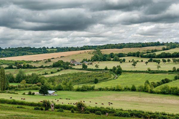 Dans l'Orne, les collines du Perche conserveront un ciel très nuageux tout au long de ce mercredi.